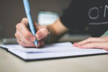What is the purpose of a cause and effect essay?